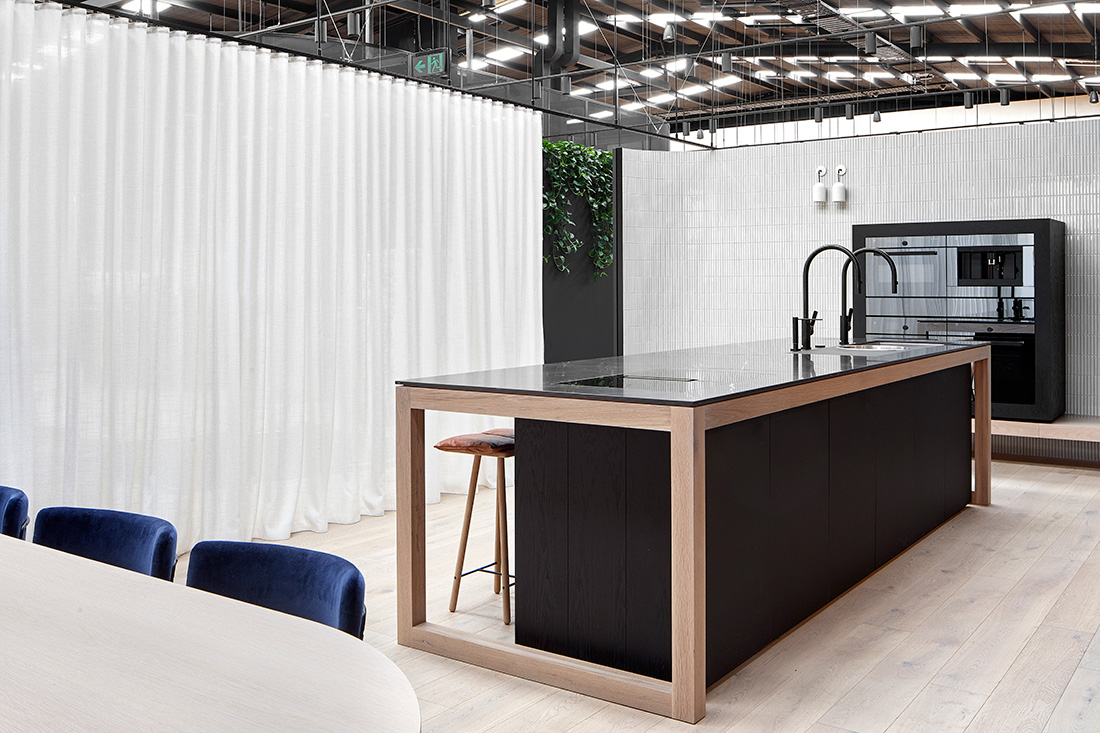 V-ZUG Melbourne Showroom, designed by Carole Whiting. Photography by Dave Kulesza.