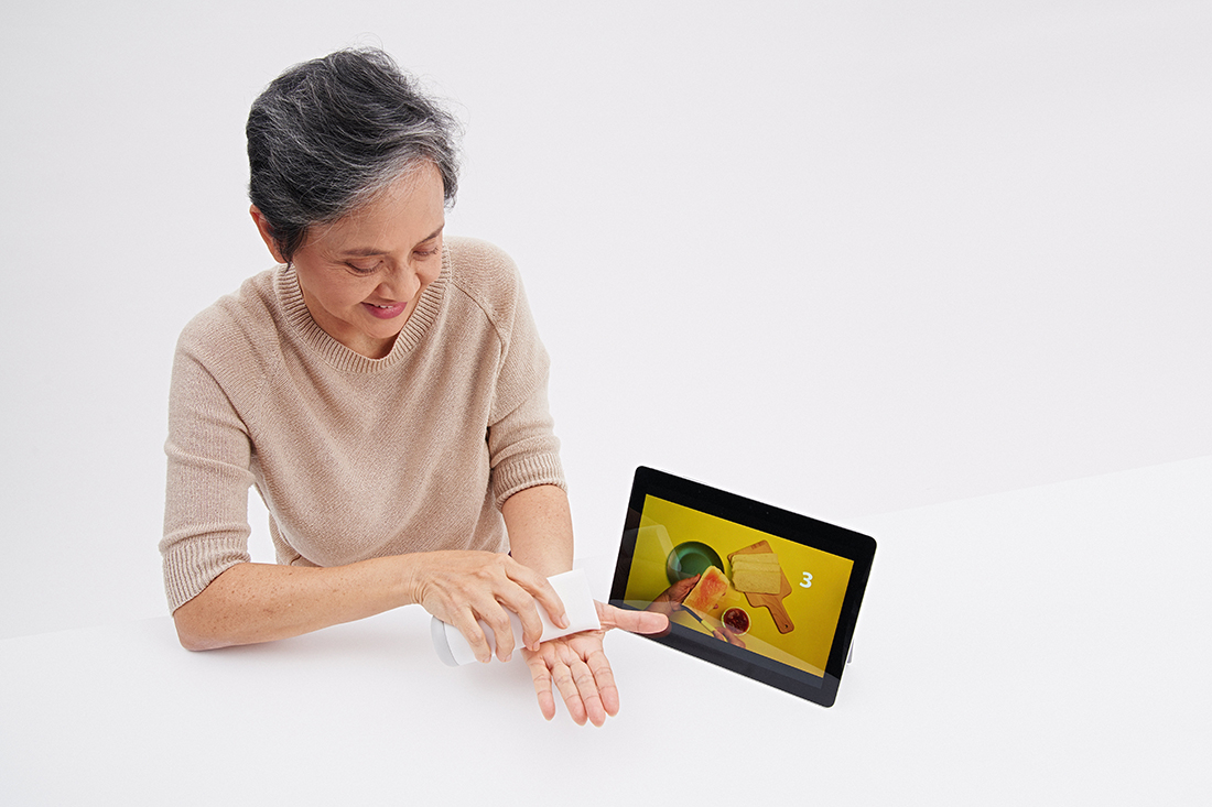 Rewind is a cognitive stimulation device for seniors with dementia.